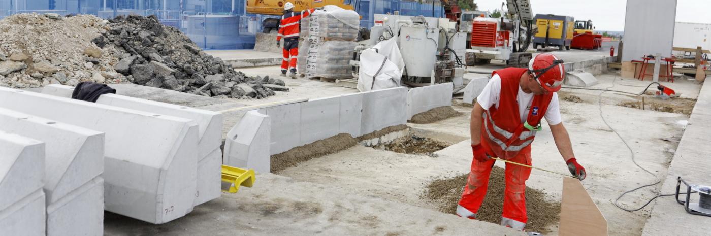Construction des dalles de péage du TSA de St Christophe
