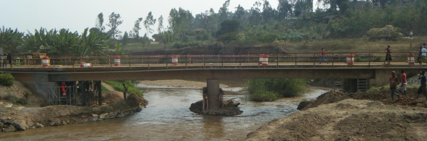 Chantier de vérinage du pont de Bujumbura GTM TS